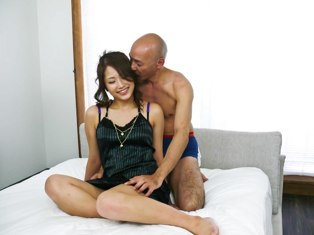 Iori Mizuki - Iori Midukis tight cunt slammed by a stiff man-meat - Picture 11