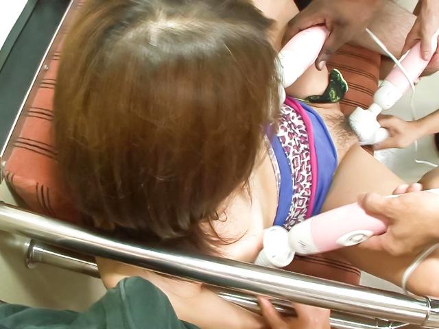Iori Mizuki - Lovely Japanese babe Mizuki Iori finger fuck inside a train - Picture 7