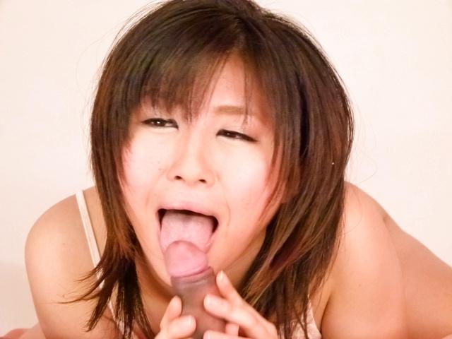 水沢杏香 - グループ・Wフェラ連続口内射精 水沢杏香 - Picture 5