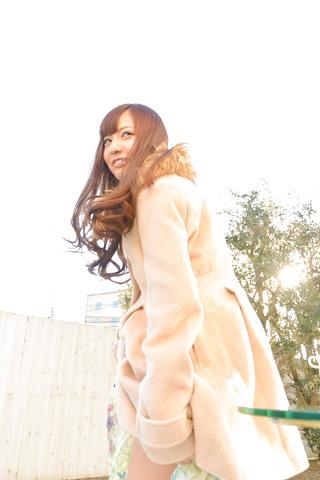 真野優莉亞 - 天真爛漫の生ハメ娘~トビッコプレイ - Picture 3