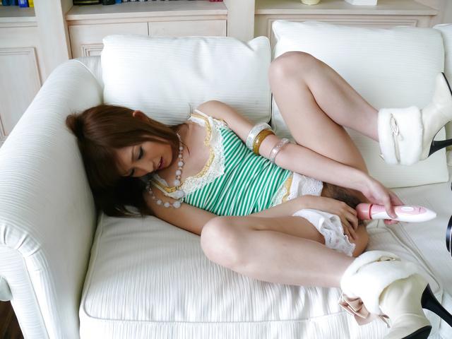 Meri Kanami - 梅里阿弥获取两个 shlongs 中孔 - 图片 7