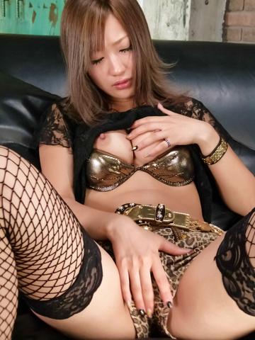 Aika - 光井爱佳爱以亚洲 creampies 与她的长筒袜 - 图片 2