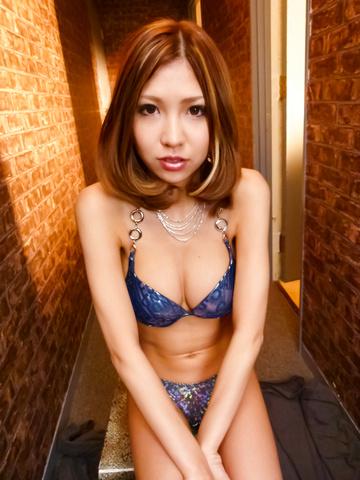 Miku Kohinata - Miku Kohinata puts her asian vibrator to good use - Picture 2