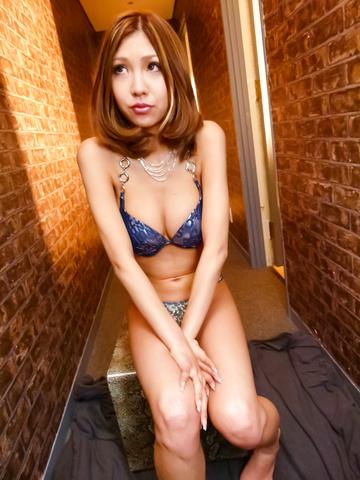 Miku Kohinata - Miku Kohinata puts her asian vibrator to good use - Picture 3