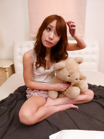 Ayaka Fujikita - 绫香 Fujikita ' s 年轻的亚洲阴户 cums 从振动 - 图片 2