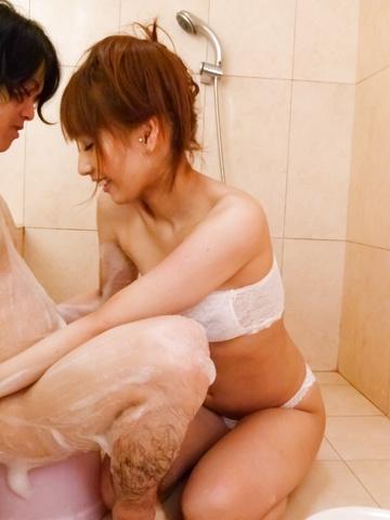 Tiara Ayase - Tiara Ayase gives a japan blowjob in the bathtub - Picture 12