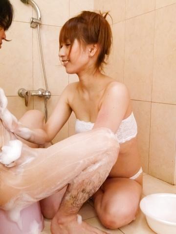 Tiara Ayase - Tiara Ayase gives a japan blowjob in the bathtub - Picture 9