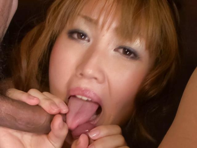 Yuki Mizuho - 吸两个坚硬的雪瑞穗和悸动公鸡和双渗透 - 图片 4
