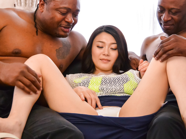 Kyoko Nakajima - Amateur Japanese babe gets hard fucked by two males - Picture 4