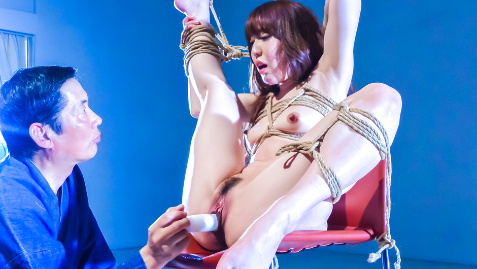 Phim Sex Japanese rope bondage along superb Rina Uchimura