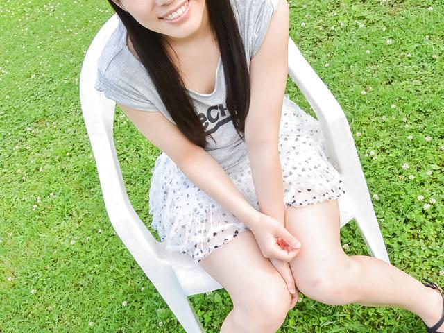 Yui Kasugano - Yui Kasugano tries Japanese dildo in outdoor  - Picture 4