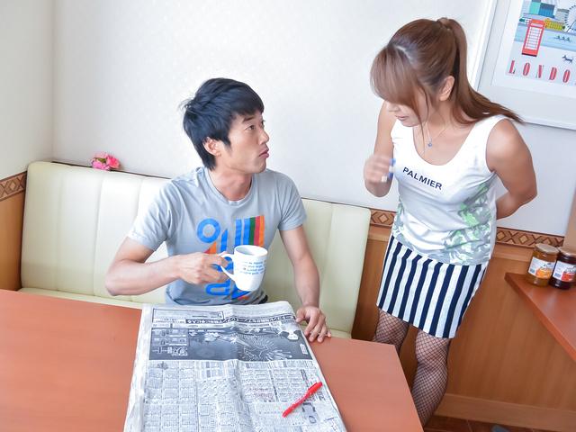 Chieri Matsunaga - Chieri Matsunaga 吸吮公鸡的亚裔女孩 - 图片 1