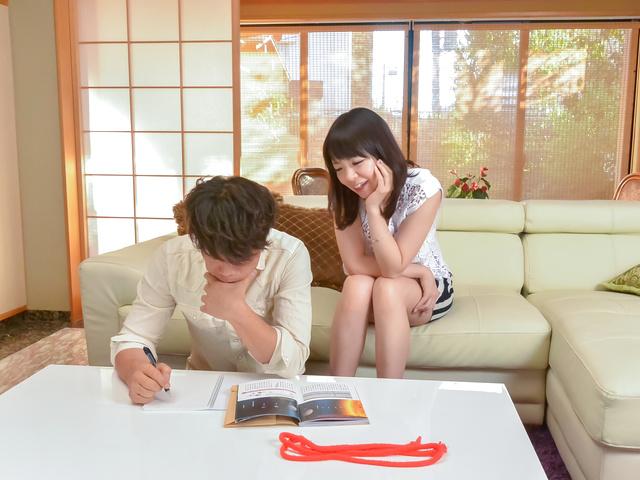 Nao Mizuki - Japan blowjob to startNao Mizuki's filthy porn show - Picture 1