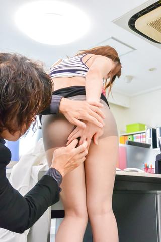 Yumi Maeda - Hardcore office sex along bustyYumi Maeda - Picture 1