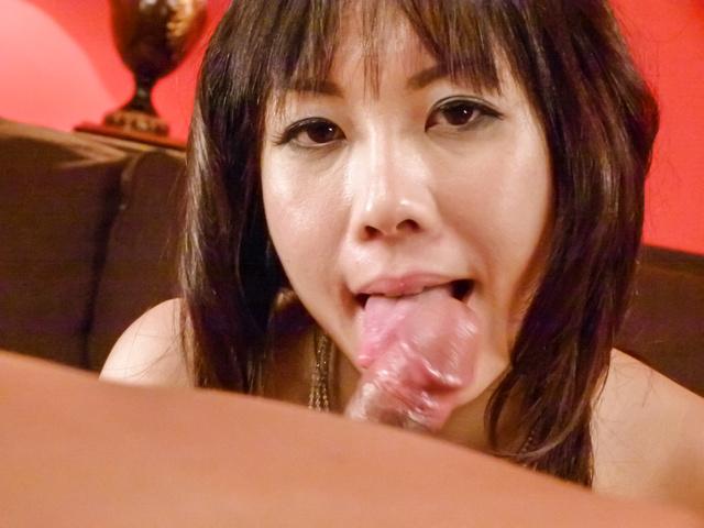 Hina Tokisaka - Big titted Hina Tokisaka gives a great japan blowjob - Picture 12
