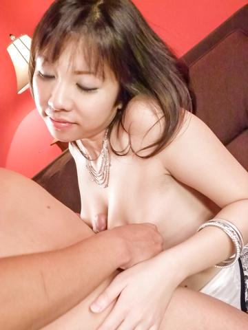 Hina Tokisaka - Big titted Hina Tokisaka gives a great japan blowjob - Picture 9