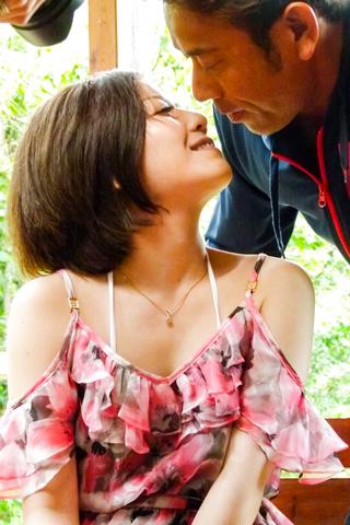 Minami Asano - 南野性交在粗糙的室外会议 - 图片 3