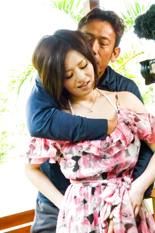 Minami Asano - 南野性交在粗糙的室外会议 - 图片 4