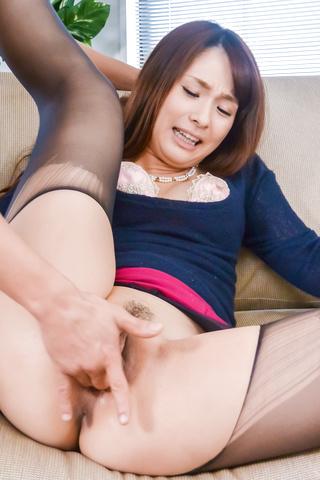 Yui Oba - 性感美女发狂后顶尖的日本口交 - 图片 10