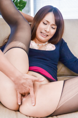 Yui Oba - Sexy beauty goes wild after a top Japanese blow job - Picture 11