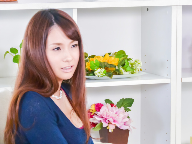 Yui Oba - Sexy beauty goes wild after a top Japanese blow job - Picture 1