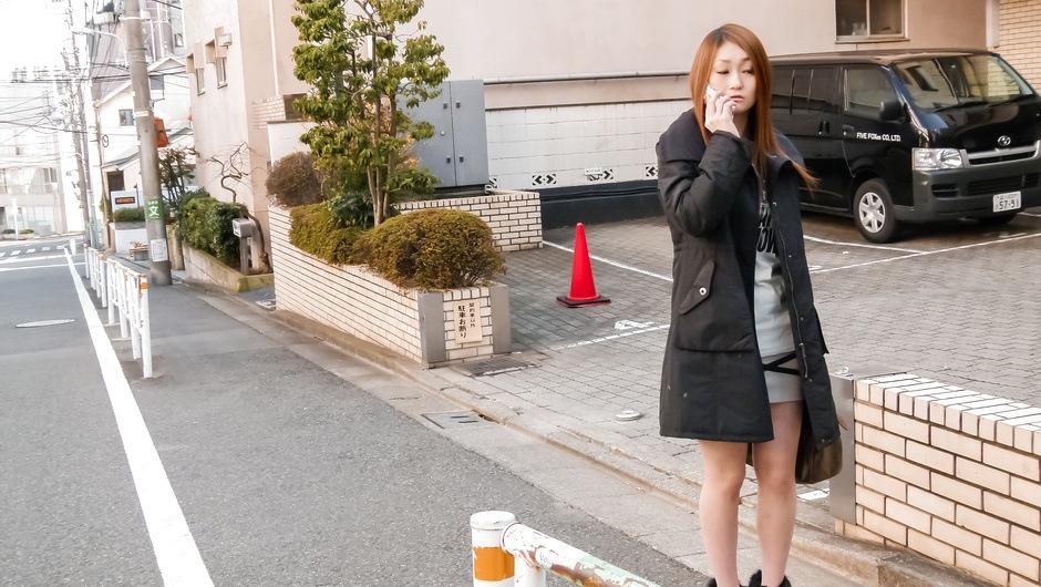 Yayoi Orikasa asian using vibrator on her pussy