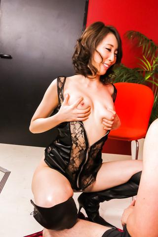 希咲あや - S級モデル希咲あや~手コキ&フェラ - Picture 2