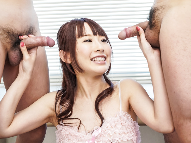 Yui Misaki - Threesome asian blow job with Yui Misaki  - Picture 1