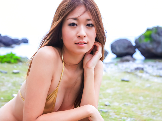 Risa Misaki - Japanese blowjob in outdoor with youngRisa Misaki - Picture 3