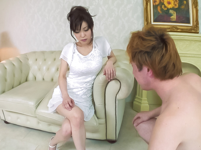 Miina Kanno - Hot milf fucks younger stud during homemade experience  - Picture 2