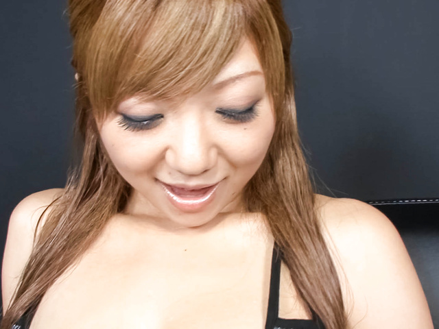 Hazuki Rui - Wet dripping Asian pussy dildo-filled and squirting - Picture 3