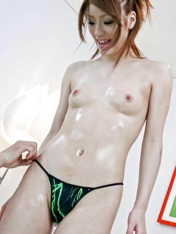 Nana Kinoshita - 好少年娜娜木下智夫使事情保持她的脚与山雀 - 图片 4