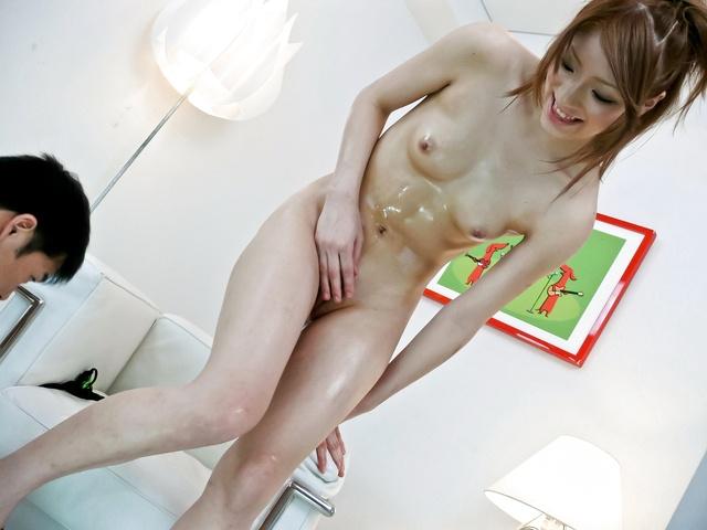 Nana Kinoshita - 好少年娜娜木下智夫使事情保持她的脚与山雀 - 图片 6
