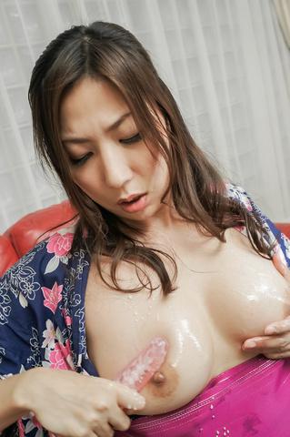 Mirei Yokoyama - Superb  Mirei Yokoyama feels cum in her mouth - Picture 10