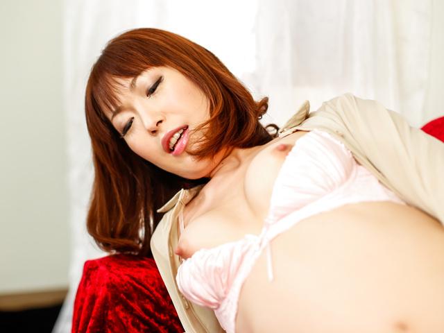楓乃々花 - 生ハメ好き淫乱女社長~昇天二穴オナニー - Picture 7