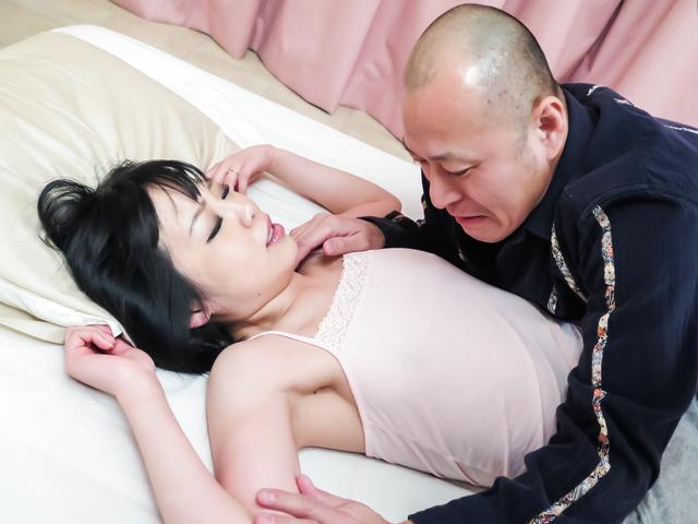 結衣のぞみ - セクシー熟女結衣のぞみ~禁断生ハメ - Picture 1