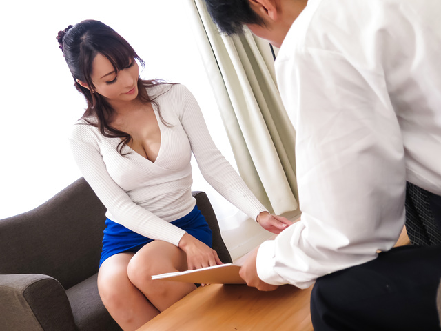 Kotone Kuroki - Housewife gives perfect Japanese blow job  - Picture 6