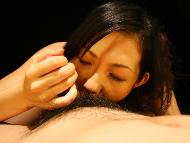 Yui Komine - Yui Komine sucks a nylon-wrapped and stiff dick - Picture 8