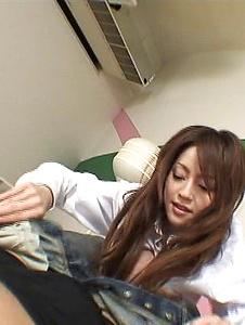 Ria Sakurai - 年轻和热 Ria 樱井骑公鸡像亲 - Screenshot 5
