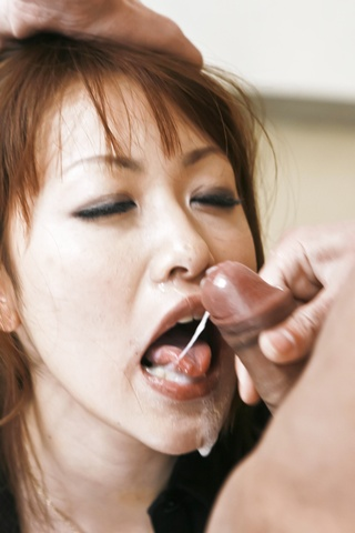 Rika Kurachi - 浴室与仓地梨他妈的离开她的阴部 creampied - 图片 10
