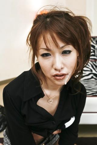 Rika Kurachi - 浴室与仓地梨他妈的离开她的阴部 creampied - 图片 9