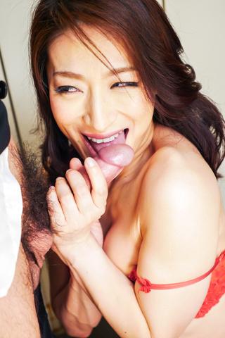 Marina Matsumoto - 滨海松本在凸轮上给出了温暖的亚洲口交 - 图片 10