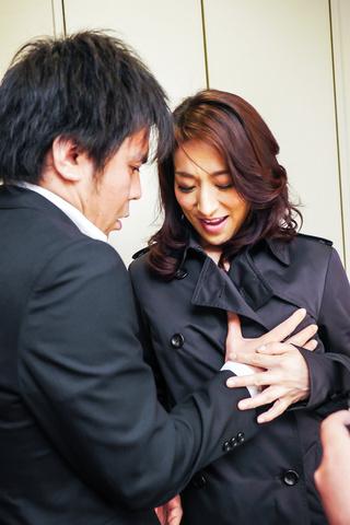 Marina Matsumoto - 滨海松本在凸轮上给出了温暖的亚洲口交 - 图片 2