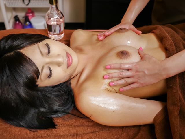 Ayaka Fujikita - 日本自慰沿蒸汽按摩师绫香 Fujikita - 图片 4