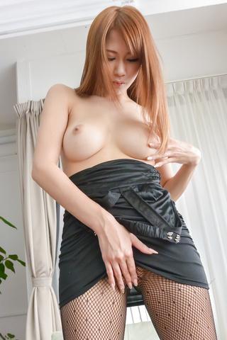 Nami Itoshino - Asian huge dildo to please naughty Nami Itoshino  - Picture 4
