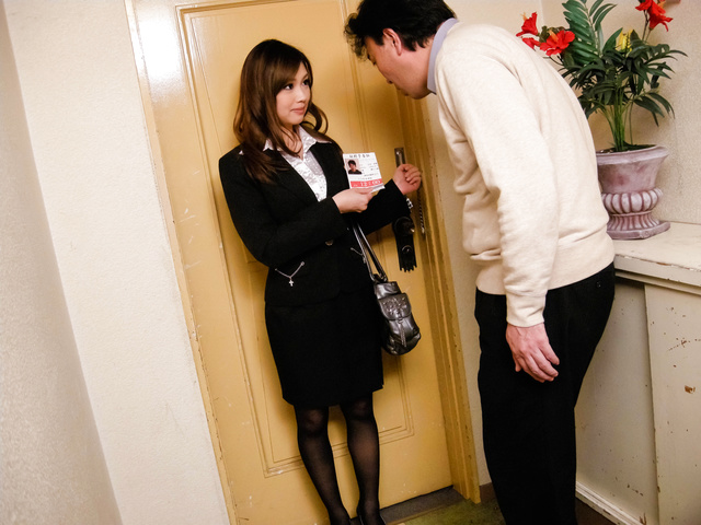 Aiko Hirose − Teen Stewardess Aiko Hirose Sucks Dick In Pantyhose − Picture 8