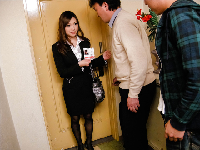 Aiko Hirose − Teen Stewardess Aiko Hirose Sucks Dick In Pantyhose − Picture 9