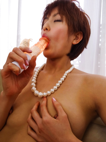 Saori - Saori's Busy With Her Vibrator On Her MILF Pussy - Picture 10