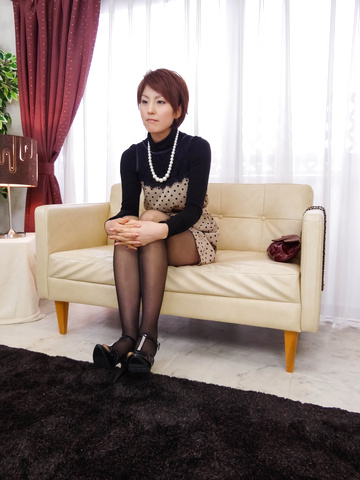 Saori - Saori's Busy With Her Vibrator On Her MILF Pussy - Picture 2