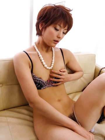 Saori - Saori's Busy With Her Vibrator On Her MILF Pussy - Picture 6